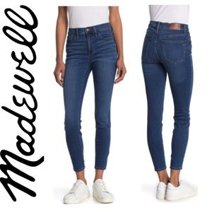 ⚡️SALE⚡️ Madewell 9 in Mid Rise Skinny Jeans